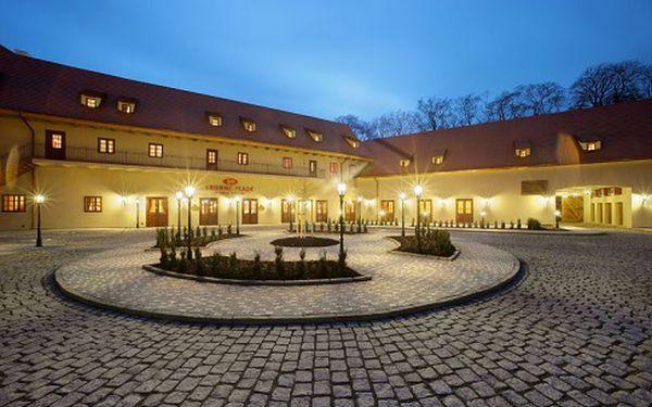 Romantický pobyt jen pár kroků od Pražského hradu v 5* hotelu Crowne Plaza Prague Castle s 55% slevou.