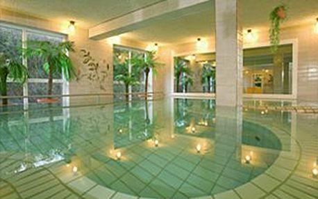 3 dny wellnessu a zdraví v lázeňském městečku v Dolním Bavorsku ze fajn cenu 3290 Kč. Vychutnejte si hotelový bazén, saunu, infračervenou kabinu, jógu, nordic walking a další s fajn slevou.