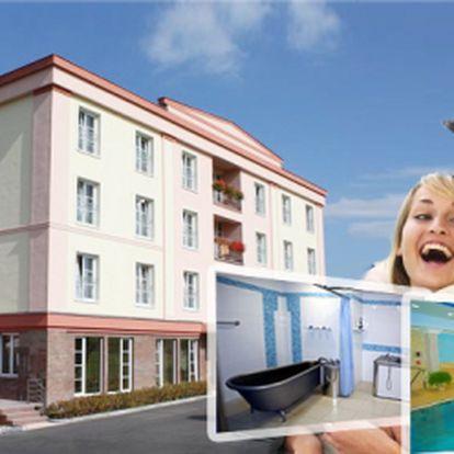 Skvělá 63% sleva na víkendový pobyt pro dva plný luxusu, odpočinku a výborného jídla ve světoznámých Františkových lázních a Spa&Wellness hotelu Francis Palace**** jen za 1.980 Kč místo původních 5.290 Kč!