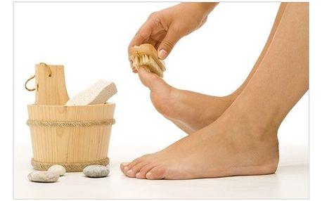 Dnešní nabídka: Pedikúra EXCLUSIVE za letních 139,- Kč. Připravte své nožky na sálající léto! Pedikúra, kromě základního ošetření zrohovatělé kůže a úpravy nehtů, obsahující také relaxační solnou lázeň, masáž a peeling plosek, patrafínový zábal a lakování