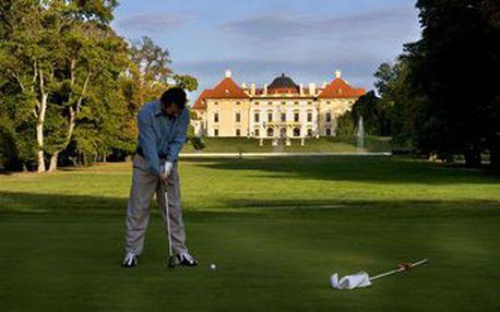 Potřebujete vydatný celodenní golfový trénink, nebo si jen chcete vyzkoušet golf s profesionálním trenérem včetně hry na hřišti? Golf Austerlitz - celodenní vstup do 6jamkové zámecké akademie PAR 3 + na tréninkové plochy, lekce s trenérem 55min, min. 3 koše míčů či zapůjčení holí,...