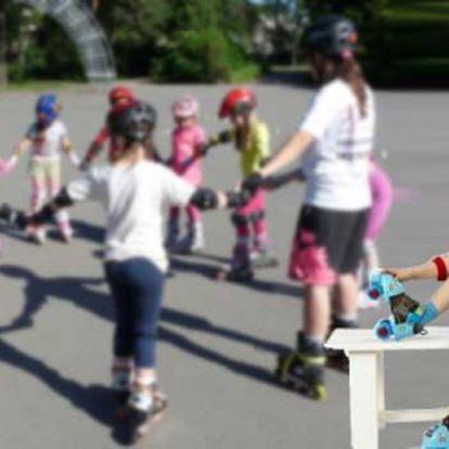 Je tady skvělý příměstský tábor in-line bruslení pro Vaše děti ve věku 4-15 let za 1800 Kč! S profesionální in-line školou Lene se děti naučí nejen teorii bezpečné jízdy, ale také v praxi techniku jízdy a seznámí se se základy freestyle slalomu.