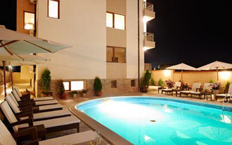 Pronájem luxusního apartmánu ve **** hotelovém komplexu Stanny Court v Bulharsku se slevou 42 %! Plně vybavený apartmán v krásném, nově otevřeném hotelupro 4 osoby na 1 noc za skvělých 1337 Kč! Apartmán leží na písečném Slunečném pobřeží u oblíbeného letoviska Nessebar!