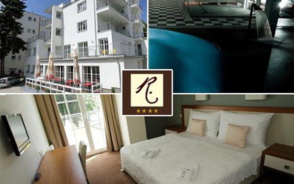Milujete funkcionalistický styl? Užijte si wellness, o kterém by kde kdo jenom snil! Babí léto v nově otevřeném ****hotelu Radun v Luhačovicích se slevou 51 %.