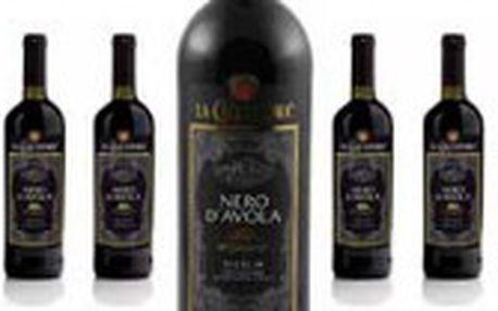 Jen 79 Kč místo 179 Kč za láhev vynikajícího červeného vína NERO D'AVOLA SICILIA ročník 2009 z vyhlášeného sicilského vinařství La Cacciatora. Ochutnejte prvotřídní víno z prosluněných italských vinic s 55% slevou! OPAKOVÁNÍ ÚSPĚŠNÉ NABÍDKY!