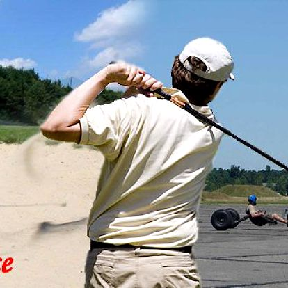 Užijte si netradiční nabídku a zažijte během jednoho dne spoustu zábavy. Golf a powerkiting s vánoční slevou 50%