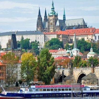 """Plavba lodí po Vltavě s 50% slevou pro děti a s 42% slevou pro dospělé! Pro dítě musíte zakoupit 1 slevový kupon, pro dospělého 2 slevové kupony. Zažijete dvouhodinovou plavbu na parníku s obědem """"sněz co můžeš"""". Ukažte sobě i svým dětem krásy Prahy přímo z hladiny řeky Vltavy."""