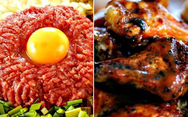 Masové hody pro 1 - 2 osoby. V ceně 150g tataráku, 8 topinek, dále 500g grilovaných kuřecích křídel se zeleninovou oblohou a chlebem dle potřeby!