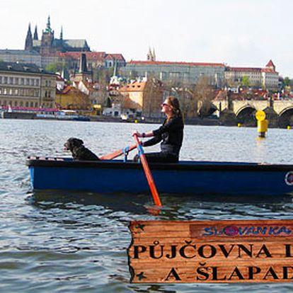 Hodinový pronájem lodičky na Vltavě