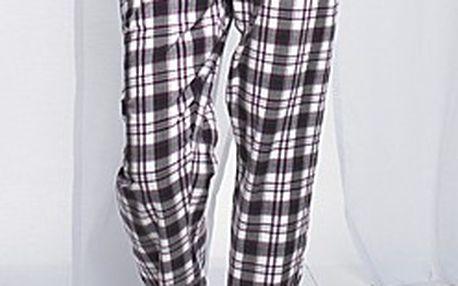 Lehoučké pyžamové kalhoty. Tkané, se šňůrkou, knoflíčky a kostkovaným motivem.