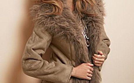 Trendový velbloudí kabát z imitace semišové kůže