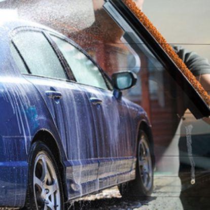 Kompletní ruční mytí včetně čištění interiéru a exteriéru a navíc voskování vašeho auta platinum vosk (nanotechnologie) za pouhých 999 kč! Ošetřete svého miláčka, aby odolal chladnému, zimnímu počasí! Sleva 54%!