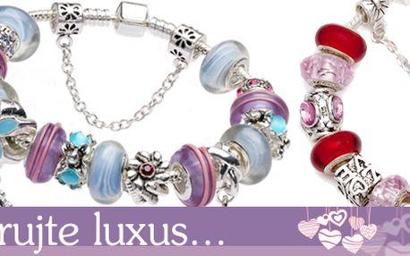 Nádherný stříbrný náramek pro milovníky skutečně krásných šperků za skvělou cenu! Poštovné v ceně! Darujte LUXUS, darujte krásný šperk! Tento opravdu překrásný náramek je z vyroben z nejkvalitnějších materiálů a jeho zpracování snese porovnání s těmi nejkvalitnějšími šperky. Využijte báječnou nabídku, která je zcela ojedinělá! Skvělý tip na Valentýna!
