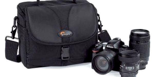 Pouzdro pro fotoaparát LowePro REZO 180 AW černé