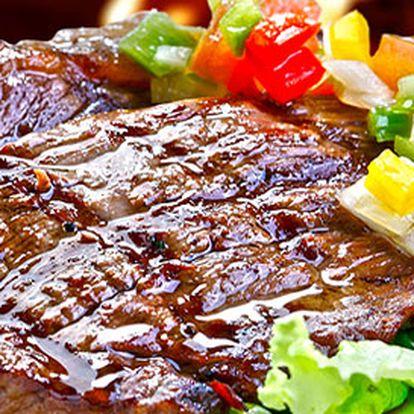 2 grilované steaky s omáčkou z pravých hřibů