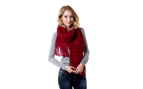Personality hřejivá červená šála, kterou si v zimě zamilujete!