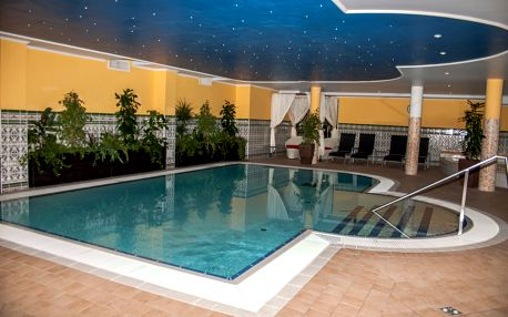 4-hviezdičkový relax pobyt so stredomorskou atmosférou v Miskolctapolca s polpenziou, wellnessom a masážou pre 2 osoby len za 136 €