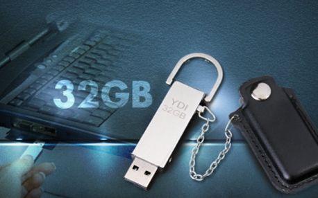 Vysoce stylový USB FLASH DISK s více než dostatečnou kapacitou 32 GB s praktickým koženým POUZDREM a otočným poutkem, jen za 299 Kč VČETNĚ POŠTOVNÉHO! Touto nenápadnou elegantní klíčenkou potěšíte opravdu každého!