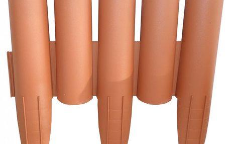 E-Coreco Palisáda Klasik 5 ideální alternativou k drahé a většinou nekvalitní dřevěné palisádě 2,7 m, teraco