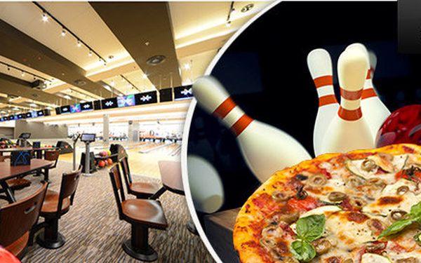 Zahrajte si bowling a přikousněte pizzu