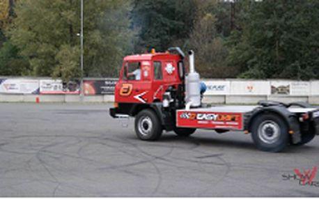 Řidičem driftovacího trucku v Centru bezpečné jízdy v Ostravě