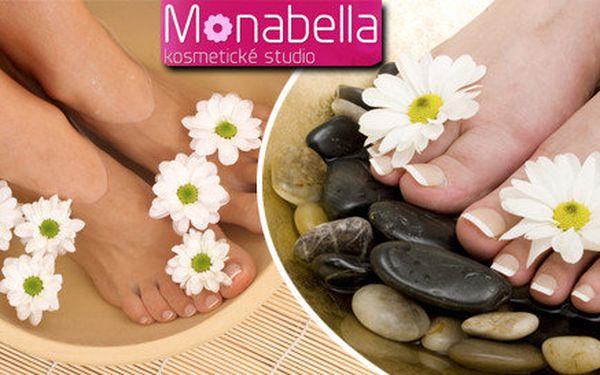 Klasická nebo wellness pedikúra v salonu Monabella v Třinci