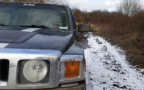 Vyjeďte s Hummerem H3 do terénu či na silnici2
