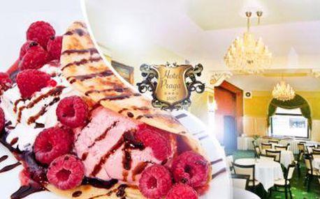 VYNIKAJÍCÍ PALAČINKA a káva latté nebo vídeňská káva pro 1 osobu v luxusní restauraci 4* hotelu u metra B Anděl!