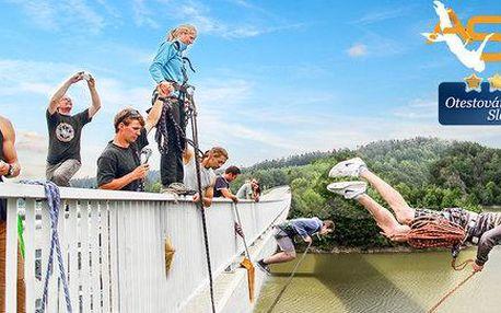 Adrenalinový seskok a zhoupnutí z mostu