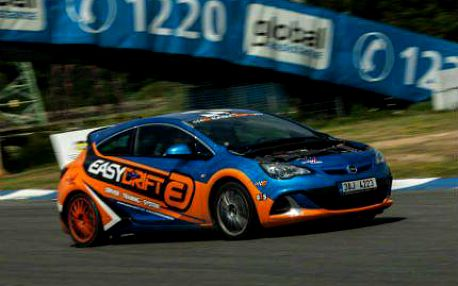 Prožijte den jako závodník - supersporty i drift za 2499 Kč!