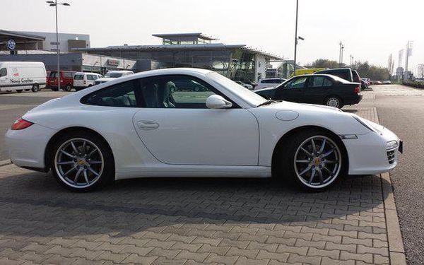 Jízda za volantem sportovního vozu Porsche Carrera 9115