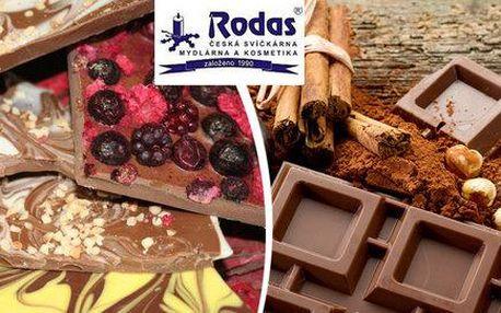 Odlévání čokoládových dobrot v provozovně Rodas
