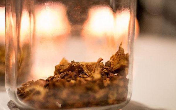 Ochutnejte naše vodnice na jablku, pomeranči, grepu a ananasu, arabskou baklavu a sušenky a vyberte k tomu ten nejlepší čaj z naší nabídky.4