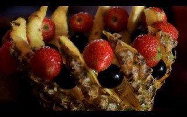 Ochutnejte naše vodnice na jablku, pomeranči, grepu a ananasu, arabskou baklavu a sušenky a vyberte k tomu ten nejlepší čaj z naší nabídky.5