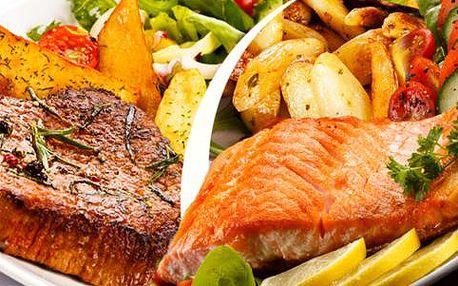 Steak z norského lososa nebo grilovaná plněná panenka - menu pro dva v Cafe Revenir