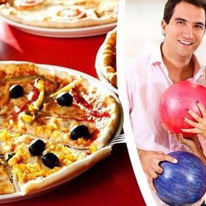 Hodina bowlingu a dvě velké pizzy