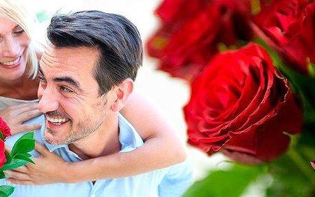 Svazek deseti růží El Toro v délce 50 cm