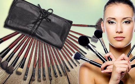 24 kosmetických štětců s dlouhou, dřevěnou, lakovanou rukojetí v praktickém koženém pouzdře včetně poštovného!