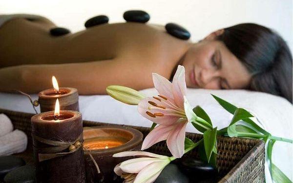 Egyptská relaxační masáž v kombinaci s lávovými kameny2