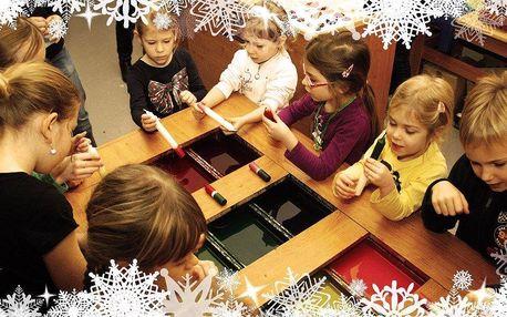 Výroba vánočních svíček a ozdob v dílně Rodas