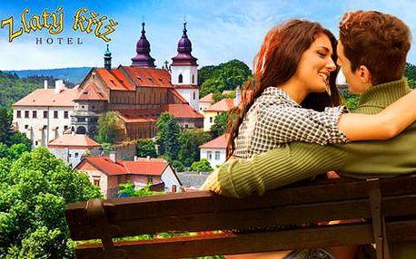 Hotel Zlatý Kříž s polopenzí a wellness pro dva