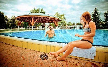 Bük s polopenzí, bazénem a vstupenkou