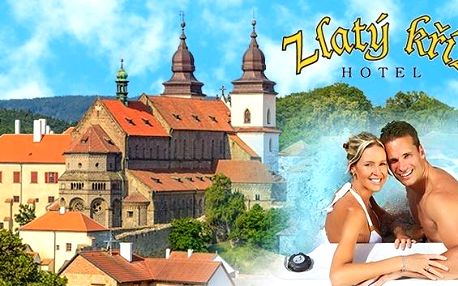 Romantická Třebíč s wellness pro dva jen za 2 190 Kč. Privátní whirlpool nebo sauna, výhled z hotelu přímo na památky UNESCO, bohatá polopenze s romantickou večeří a vstup do hudebního klubu v hotelu Zlatý Kříž!