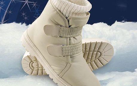 Sněhule s ponožkou