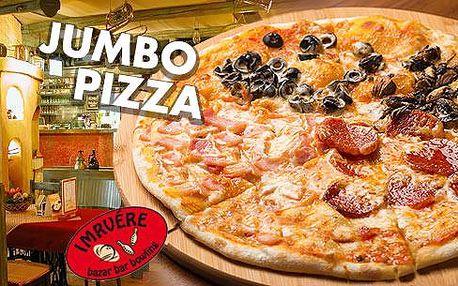 Jumbo pizza o průměru 50 cm pro 2 až 4 osoby a hodina bowlingu nedaleko Frýdku-Místku!
