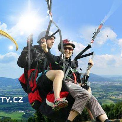 Tandemový paragliding v Beskydech pro 1 osobu + videozáznam z letu a ukázka akrobatických prvků!