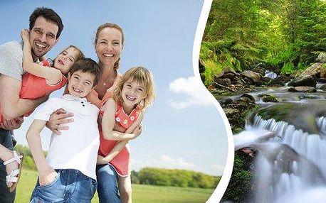 Penzion Pod Pralesem ideální pro rodiny s dětmi i dvojice na 6 dní s polopenzí, dětským koutkem, minifarmou i venkovním hřištěm. Užijte si kouzlo šumavské přírody a to přímo pod boubínským pralesem, nejstarším původním lesem ve střední Evropě.