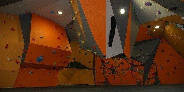 1x vstup nebo neomezená permanentka na lezeckou stěnu na letní prázdniny2