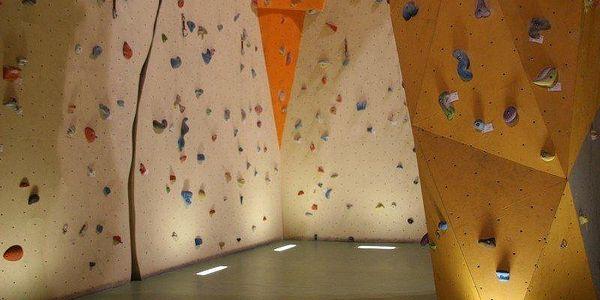 1x vstup nebo neomezená permanentka na lezeckou stěnu na letní prázdniny3