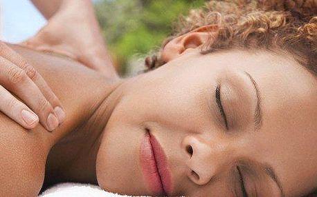 50minutová Relaxační masáž zad a šíje včetně masáže obličeje nebo jeho péče